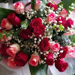 LOVING - FLOWER WITH 25 WHITE RED ROSES