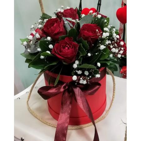 Κουτί Με Τριανταφύλλα